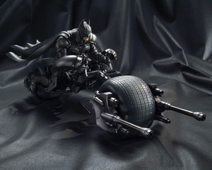MOVIE REALIZATION BATMAN & BAT-POD 08