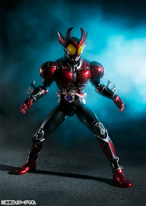 S.H.Figuarts MASKED RIDER AGITO Burning Form 01