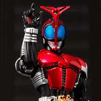 S.H.Figuarts(真骨彫製法) 仮面ライダーカブト ライダーフォーム
