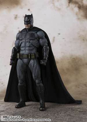 SHFiguarts Batman (JUSTICE LEAGUE) 01