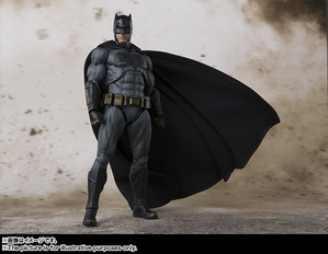 SHFiguarts Batman (JUSTICE LEAGUE) 02